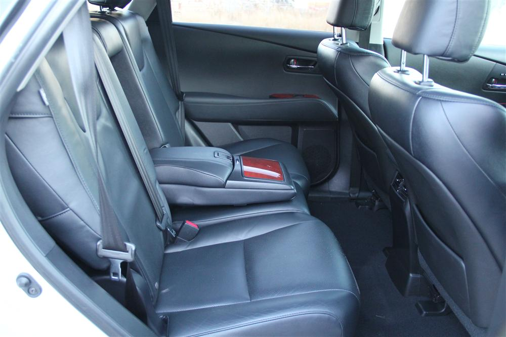 luxury suvs with cooled and heated autos post. Black Bedroom Furniture Sets. Home Design Ideas