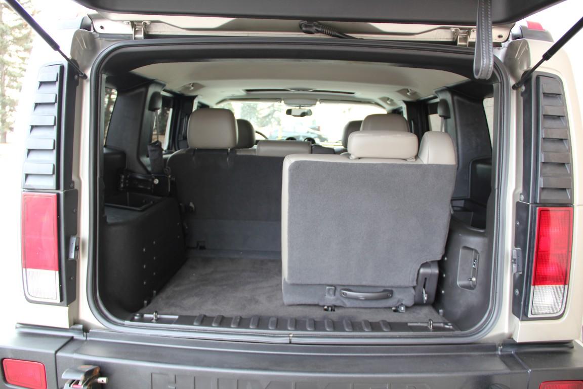 Hummer h3 Adventure Interior