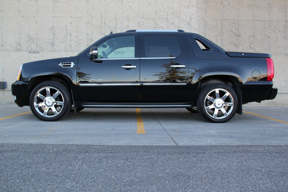 2010-Cadillac-Escalade-EXT-AWD-Ultra-Lux
