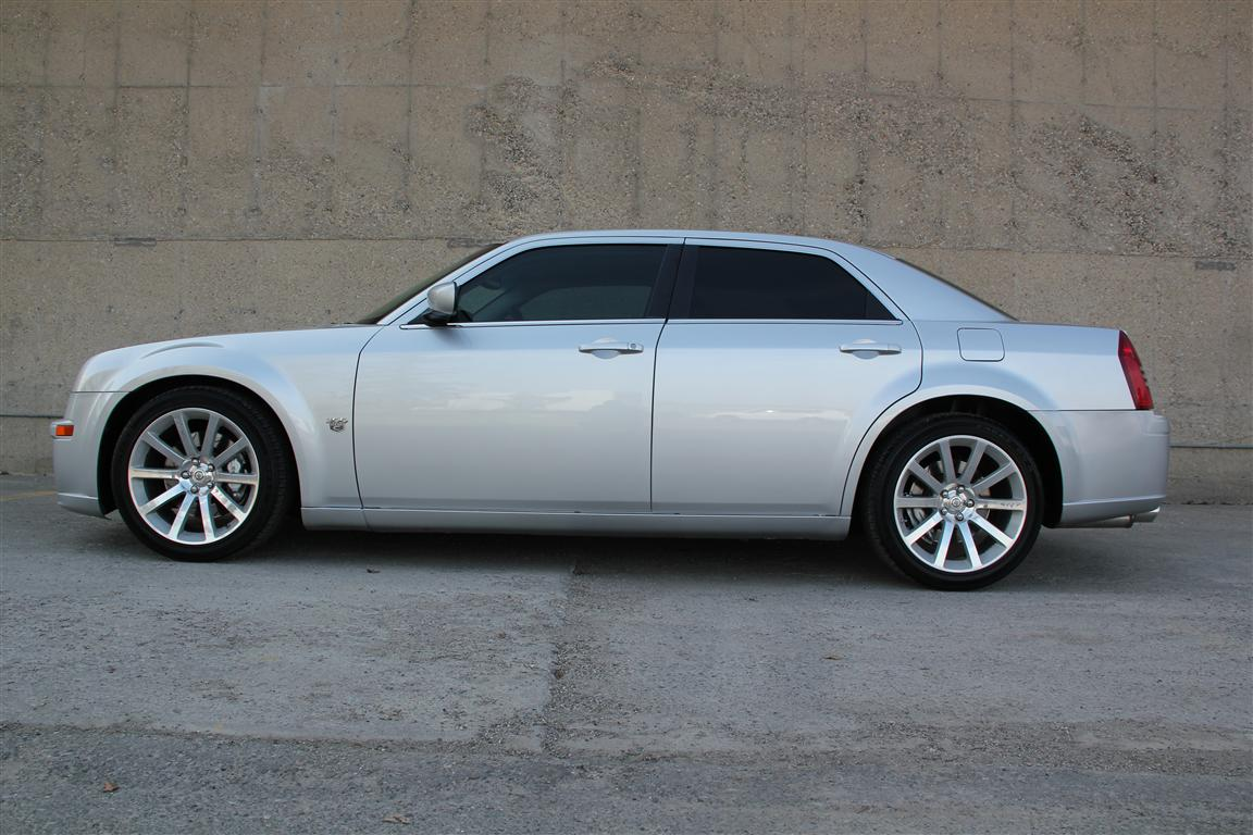 chrysler 300 srt 2008
