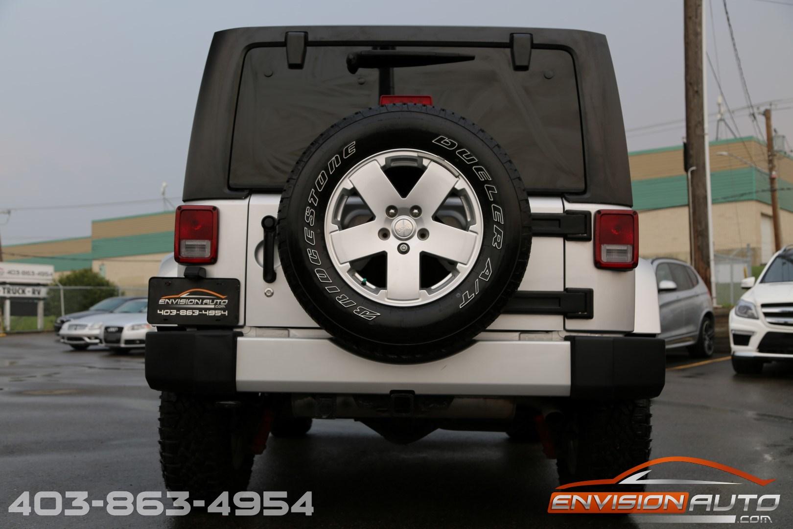 2011 Jeep Wrangler Sahara 2 Door \ 6 Speed Manual \ Only